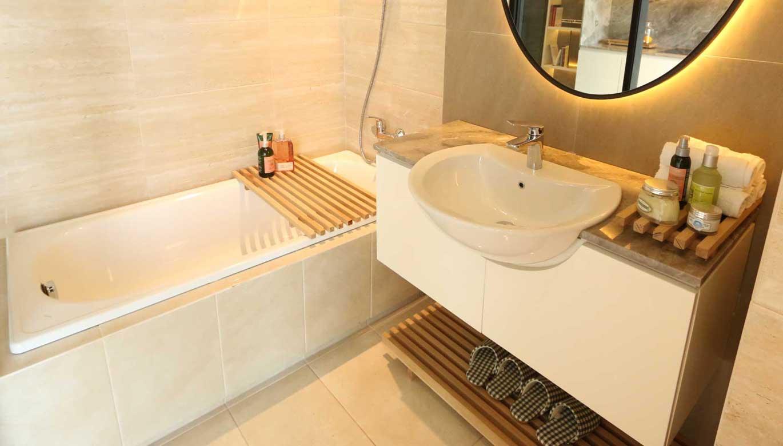 Zen Bathroom Pasadena Suites